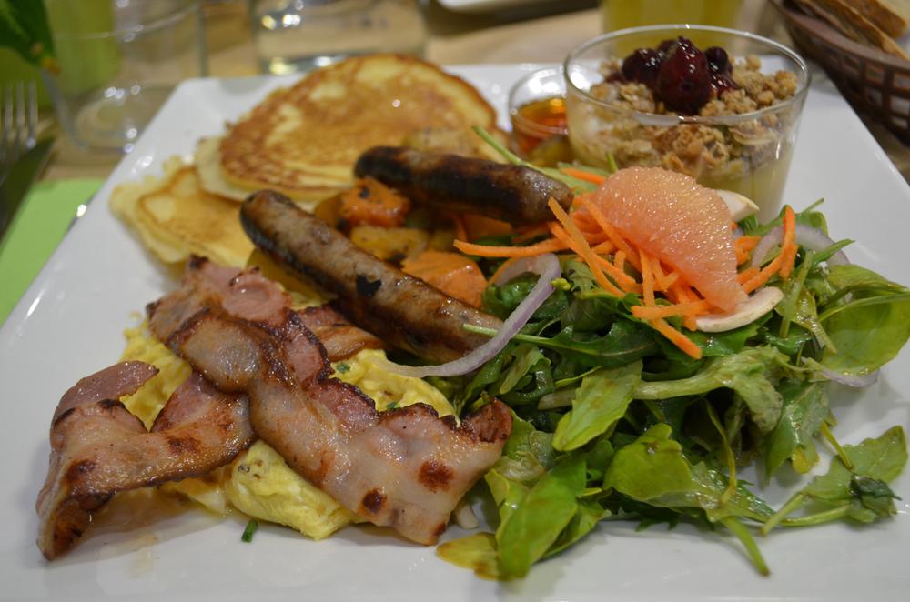 Brunch Milwaukee Café