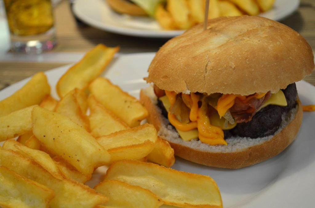 Peggy Sue's Burger