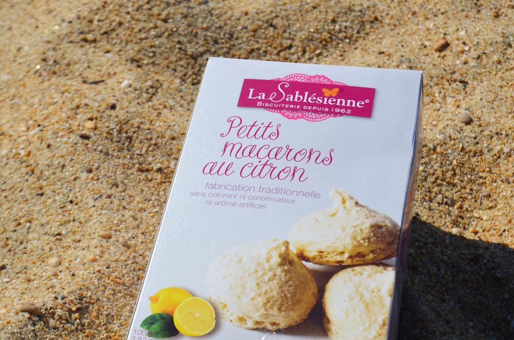 Box French Food Macarons