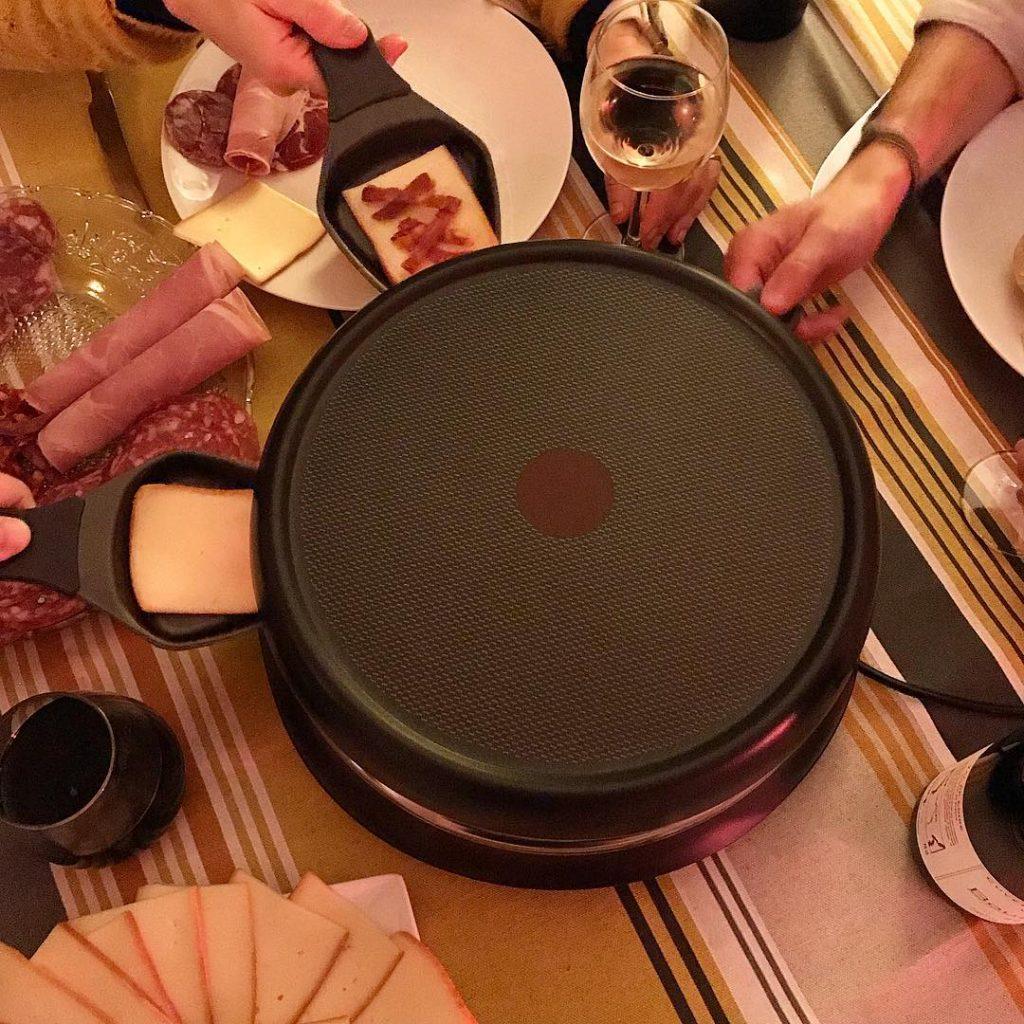 Lheure de la raclette a sonn ! soiree raclette friendshellip