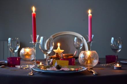 Table Noël prune et or